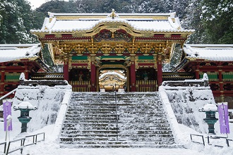 Picture of a temple in Nikko during the winter in the Tobu region